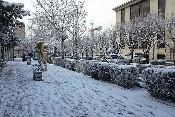 Does it snow in Iran?